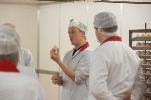 Dutch vet tour helps British farmers cut antibiotic use